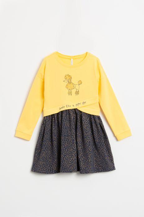 Sukienka z długim rekawem w kolorze żółtym z nadrukiem